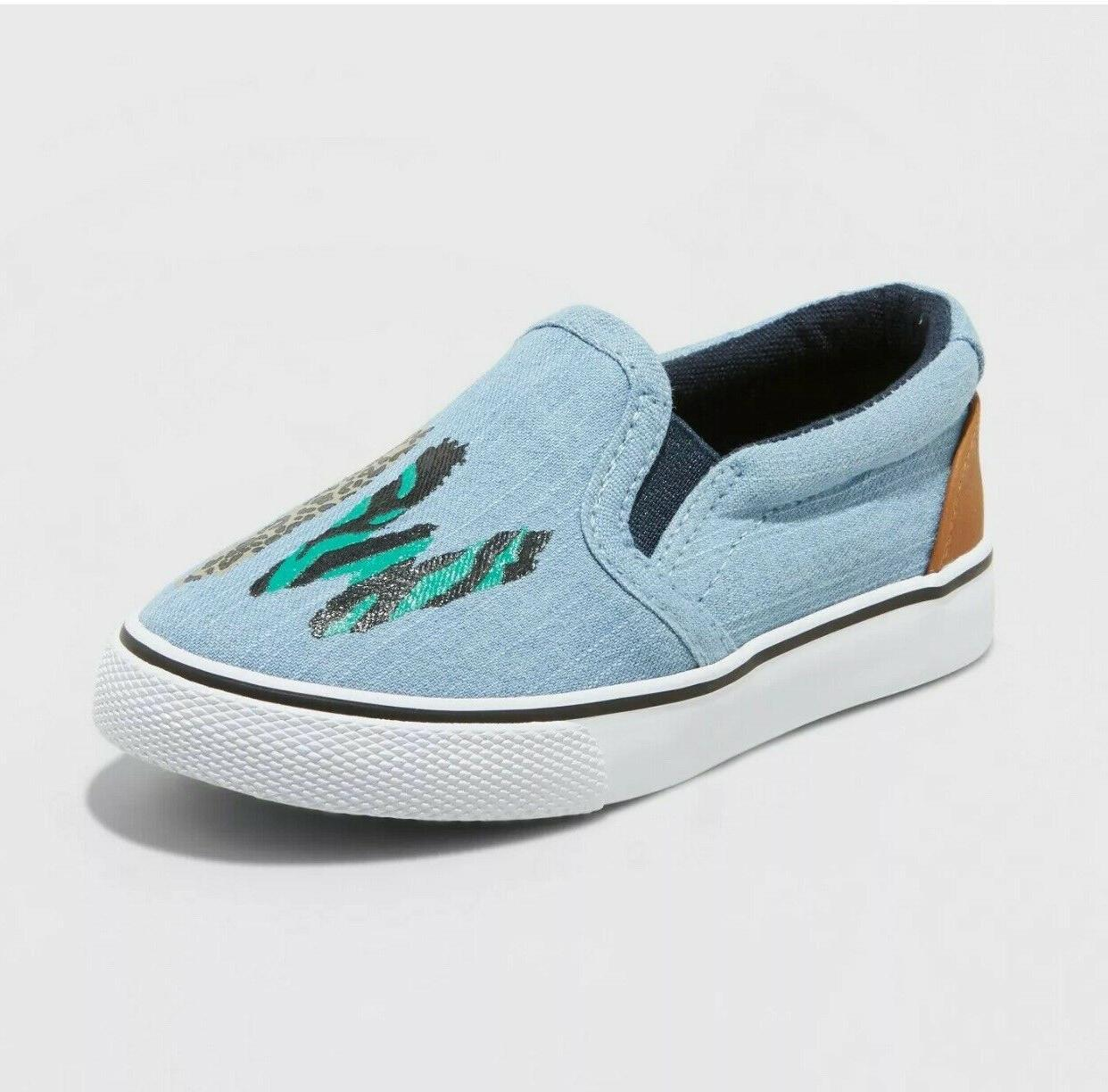Cat & Boys Shoes Slip On Size 10 Chambray